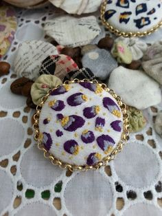 Handmade simple brooch / by Sujstory on Etsy