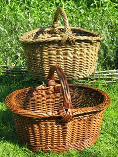 Oval baskets with handle variations - Annette Borch Jensen