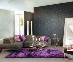Un tapete es esencial en una sala, genera cohesión entre todos los elementos que conforman el espacio y crea un ambiente cálido y acogedor.
