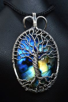 Handmade Wire, Handmade Jewellery, Etsy Handmade, Handmade Crafts, Wire Wrapped Pendant, Wire Wrapped Jewelry, Diy Projects To Make And Sell, Tree Of Life Necklace, Moonstone Pendant
