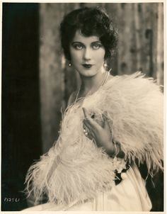 Fay Wray (born Vina Fay Wray; September 15, 1907 – August 8, 2004) was a Canadian-American actress most noted for playing the female lead in King Kong.