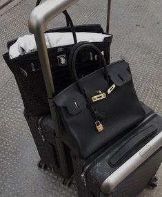 Hermes, Feeds Instagram, Old Money, Travel Aesthetic, Airport Style, Luxury Bags, Dream Life, Dream Job, Birkin