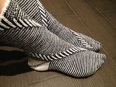 Eternity Socks with Spirals by Gabriele Boldt - GaBoSocks #knit. Inspiration: The stitch pattern
