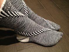 Eternity Socks with Spirals by Gabriele Boldt - GaBoSocks #knit. Inspiration: The stitch pattern