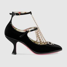 GUCCI T-strap leather pump with pearls - black patent leather. #gucci #shoes #