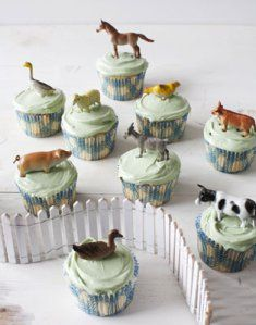 Throw a farm animal themed party for your baby's first birthday with adorable cupcake toppers like these