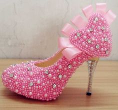 Fashion Pink Pearls Rhinestones Wedding Shoes With Heart Design Pumps
