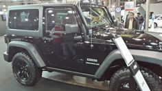 Jeep Wrangler - Side View Side View, Jeep Wrangler, Antique Cars, Places, Vintage Cars, Jeep Wranglers, Lugares