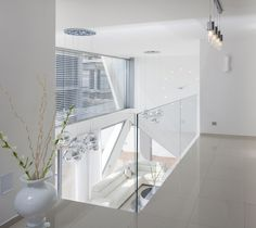 Villa Style Inspired by Spaceship Look : Neighborhood XVII Residence By Zahavi Architects – Interior White Color Scheme