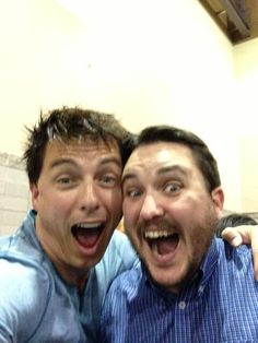 John Barrowman and Wil Wheaton. John Barrowman is besties with EVERYONE he meets, first Misha, now Wil.all of the Doctors love him. Doctor Love, Doctor Who, Wil Wheaton, Captain Jack Harkness, John Barrowman, Torchwood, David Tennant, Superwholock, Star Trek