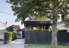 Matt Gibson Architecture + Design Courtyard House (1) - Fence style and colour
