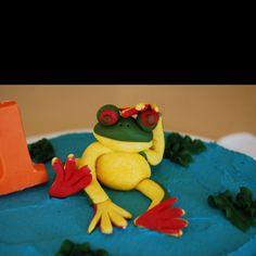 Gum paste frog