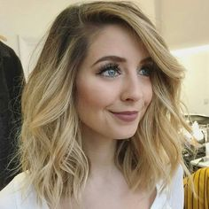 Pin by Alexandra Huber on Hair Medium blonde hair, Hair styles zoella new haircut 2018 - New Hair Cut Messy Hairstyles, Pretty Hairstyles, Zoella Hairstyles, Blonde Hairstyles, Southern Hairstyles, Southern Girls, Blond Mi-long, Medium Hair Styles, Short Hair Styles