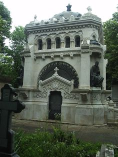 Bellu Cemetery, Bucharest-The tomb of Evlogi and Hristo Georgiev brothers