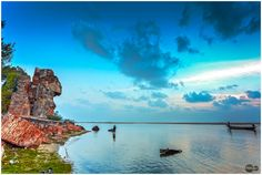 Yes , Alamparai fort ruins is on the shores of Bay of Bengal.