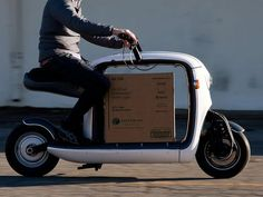 Lit Motors Kubo Urban Delivery Scooter. You can carry stuff in your scooter in front of you so you always know where it is and how it looks.