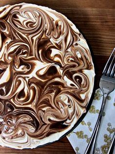 You need to try this no-bake S'mores Cheesecake recipe!