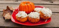 Protein Pumpkin Rolls With Protein Cream Cheese Healthy Dessert Recipes, Healthy Desserts, Protein Desserts, Healthy Foods, Healthy Eating, Protein Foods, Protein Recipes, Whey Protein, Protein Water