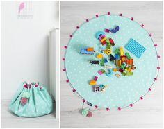 Praktische Spielzeugtasche, die zugleich als Spielteppich genutzt werden kann/ portable toys storage bag, can also be used as a play mat made by Cozydots via DaWanda.com