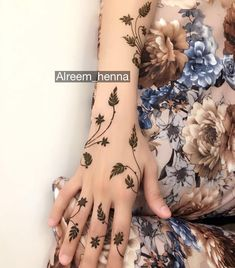 61 Ideas Design To Draw Patterns Leaves Mehandi Henna, Hand Mehndi, Mehndi Tattoo, Henna Tattoo Designs, Bridal Henna Designs, Best Mehndi Designs, Simple Mehndi Designs, Mehandi Designs, Mehndi Design Pictures