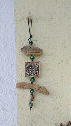 nature-crafts Crafts Wind Chimes # Pottery Career Apparel: Dress for Success Ever wo Driftwood Jewelry, Driftwood Projects, Driftwood Art, Beach Crafts, Diy Home Crafts, Crafts To Make, Arts And Crafts, Carillons Diy, Diy Wind Chimes