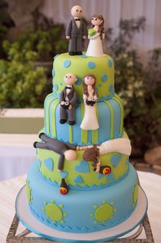 Funny- Wedding Cake (I like the colors and patterns used)