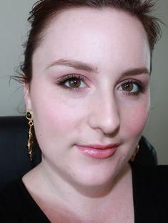 Milly For Clinique Face do Dia ✿  #clinique #milly ✿ Milly For Clinique Face do Dia Como prometido aqui é o correspondente FOTD para minha revisão de Milly para Clinique. Como mencionei na resenha, as co... Bobbi Brown, Face, Fashion Trends, Style, Smoky Eye, Eye Liner, Swag, Stylus, Faces