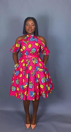The Absolute Best African styles + Where to Shop African Fashion You can never have too many African print clothes. This is a roundup of the absolute best African styles right now plus details on where to get them. Short African Dresses, Latest African Fashion Dresses, African Print Dresses, African Print Fashion, Africa Fashion, Modern African Fashion, African Prints, African Attire, African Wear
