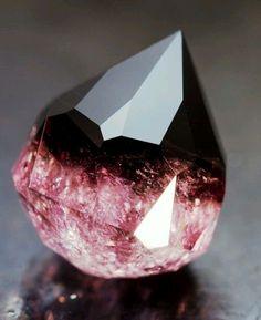 30 фантастических минералов, на создание которых у природы ушли миллионы лет