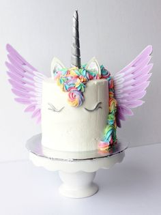 Unicorn buttercream cake with wings