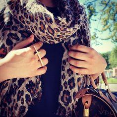 Cheetah print scarf and cross ring>>