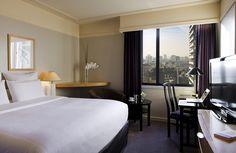 Chambre Classique Queen Size Bed