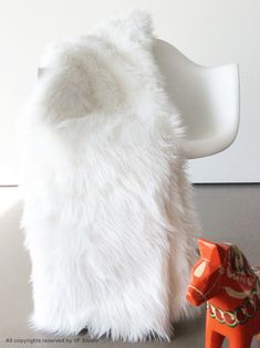White Fur Throw Blanket Soft Luxurious Fur Fleece Lining Designer Quality All New Sizes  Material: Long faux fur with white Fleece on the back
