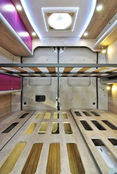 Diy Van Camper, Camper Beds, Build A Camper Van, Vw Camper, Camper Trailers, Sprinter Camper Conversion, Camper Van Conversion Diy, Van Conversion Interior, Van Interior