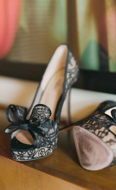 Bow lace pumps
