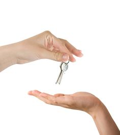 A few guidelines are the keys to a good working relationship with your real estate agent when you're buying a home.