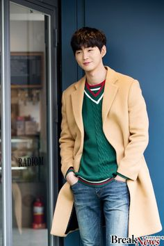 Lee Won-geun (이원근) - Picture Gallery @ HanCinema :: The Korean Movie and Drama Database Asian Actors, Korean Actors, Lee Won Geun, Sassy Go Go, Park Hae Jin, Yoo Yeon Seok, Pose Reference Photo, Yoo Seung Ho, Boys Over Flowers