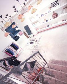#milano#zonatortona#milan#italy#milanodavedere#milanodascoprire#mymilano#fashion#fashionshop#modern#contemporary#architecture#modernarchitecture#minimal#minimalfashion#minimalism#minimalismo#editorial#highfashion#lifestyleblogger#fashiondesign#fashionblogger#minimal#architettura#tomdixon#white#decor#vogueitalia#italiandesign#womanclothing#manstyle by workshopmilano
