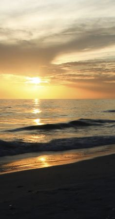 Palm Beach County makes a great place to call home!http://www.waterfrontproperties.com/golfcoursehomes.com