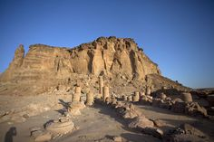 Picture of Jebel Barkal (Sudan): Temple of Amun with Jebel Barkal in the background