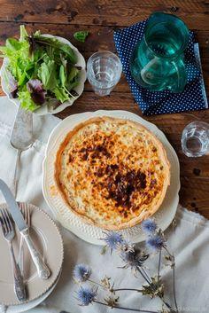 Quiche lorraine   --   Ein einfaches und leckeres Rezept von Aurélie Bastian. Entdecke in ihrem Blog über 300 kostenlose Rezepte, viele Tipps und Videos.