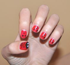 Omg cute ladybugs nails