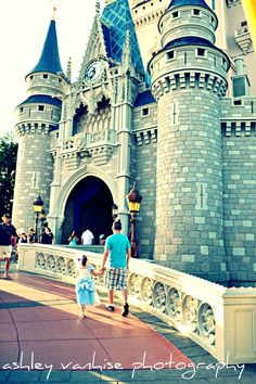 okay I'm a totally biased lover of Disneyland and everything SoCal, but this photo really makes me want to see Cinderella's castle at WDW.