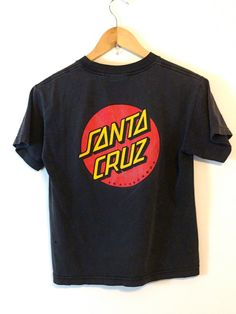 2988e3a4b84fb Killer Vintage SANTA CRUZ t-shirt Black by PosiesForLuluVintage