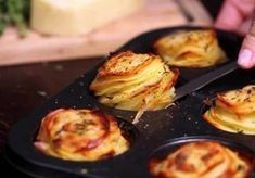 """Ludi"" krompir iz rerne je trenutno najpopularniji recept na internetu. Evo i zašto! (RECEPT+VIDEO)"
