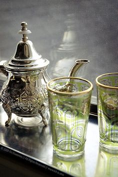 Moroccan tea service Mint tea in a silver teapot and two glasses from Morocco. Silver Teapot, Tea Glasses, Mint Tea, Cuppa Tea, Tea Art, My Cup Of Tea, Tea Service, Chocolate Pots, Tea Ceremony