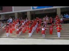 Sancaktepe Safa İlkokulu 1-E Sınıfı 23 Nisan Gösterisi (Ozan Deniz KİPEL) - YouTube
