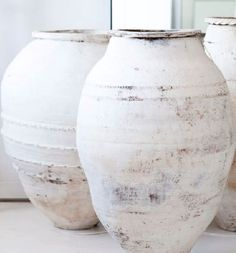 Lovely old pots with limewash paintwork Wabi Sabi, Olive Jar, Shades Of White, Ceramic Pottery, Pottery Vase, Ceramic Vase, Garden Pots, Home Accessories, Pure Products