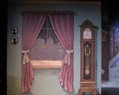 Scene Changes: Fred's Parlour backdrop