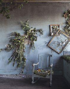 La Flower House era una casa abbandonata di Detroit, oggi è traboccante di fiori che hanno riportato vita e bellezza in un luogo dimenticato per oltre un decennio.  Photo credit by Heather Saunders Photography